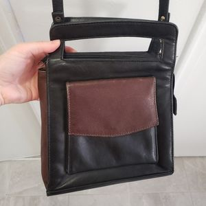 Vintage two toned black and brown crossbody purse!